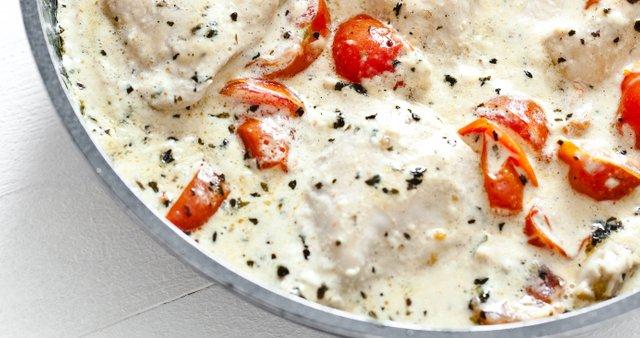 Piščanec v beli omaki