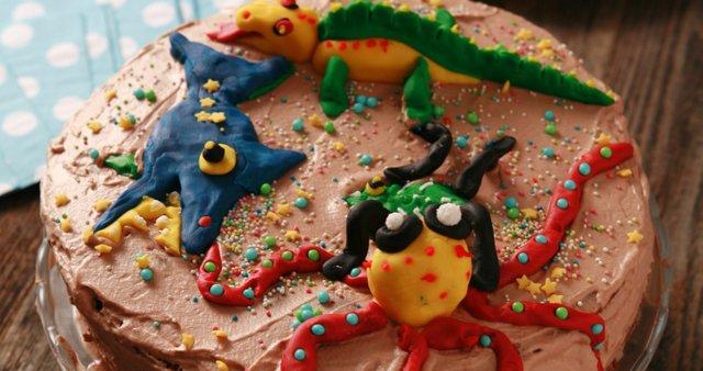 Rojstnodnevna nutellina torta
