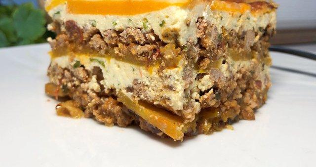 Zloženka iz buče maslenke, mesne omake in rikote