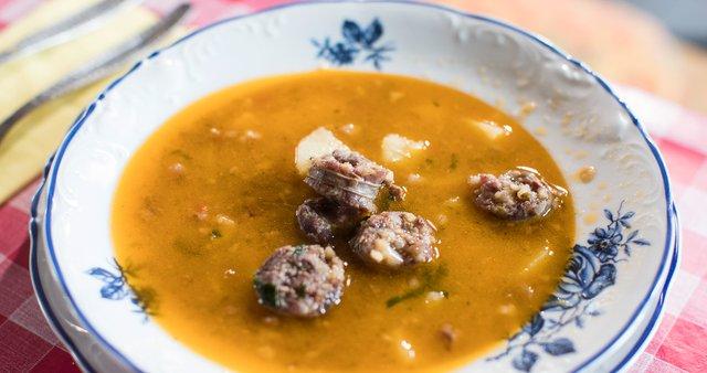 Štruklji in krompirjeva juha