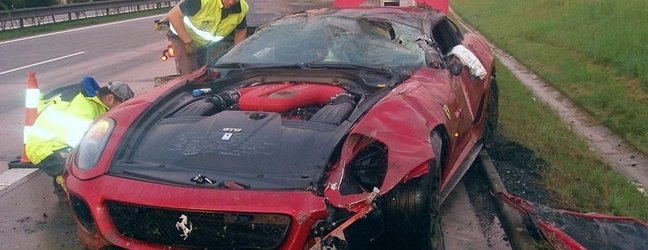 Popolnoma uničil ferarija 599 GTO, škode za 4,5 milijona - 5