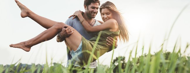 srečna moški in ženska