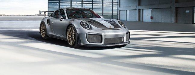 2018 porsche 911 GT2 RS - 13