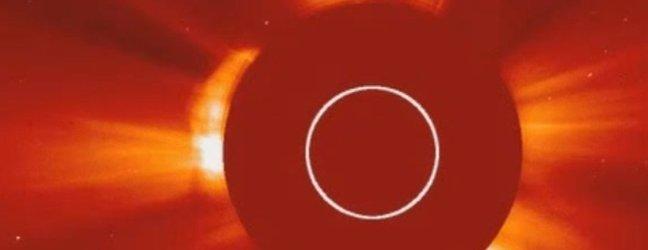Je Nasin teleskop ujel vesoljsko ladjo? - 2