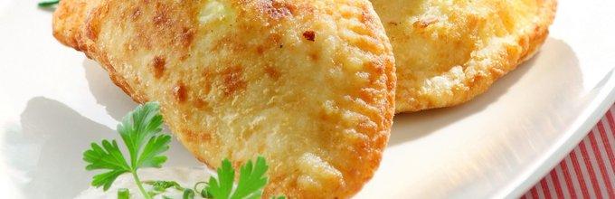 Krompirjevi žepki z drobnjakovo kremo