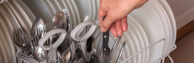 Nož v pomivalnem stroju
