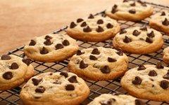 Karim razkriva, na kaj paziti pri pripravi piškotov s koščki čokolade