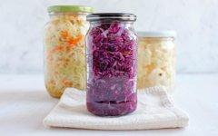 Zakaj je fermentiranje tako zdravo in priljubljeno?