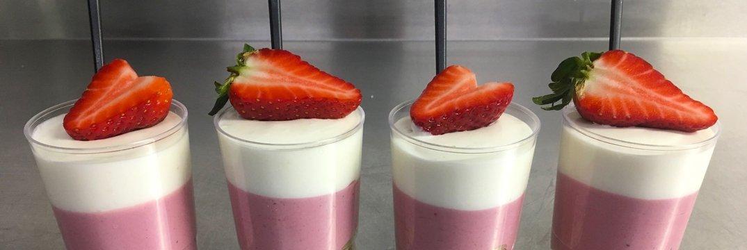 Jagodno-jogurtova mousse tortica