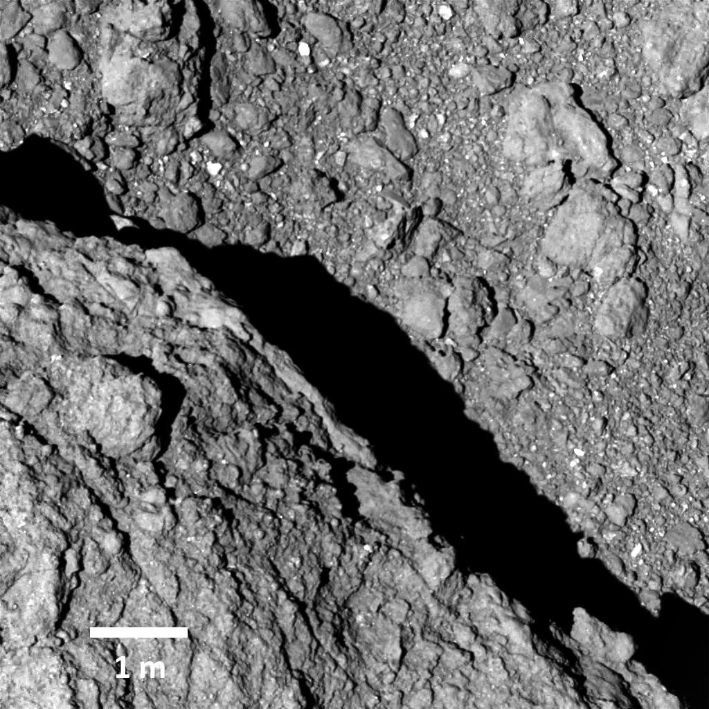 Površje asteroida Ryugu