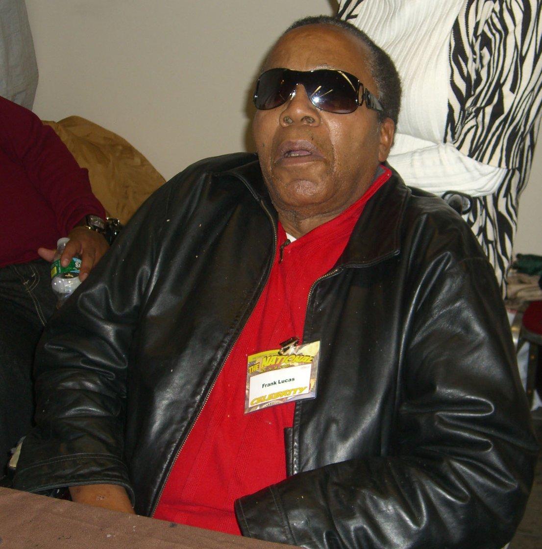 Frank Lucas je bil eden največjih mamilarskih kraljev v šestdesetih. Imel je navado, da je preprodajal droge brez posrednikov. Droge so on in sodelavci tihotapili v krstah. Po njem je bil osnovan popularni film American Gangster.