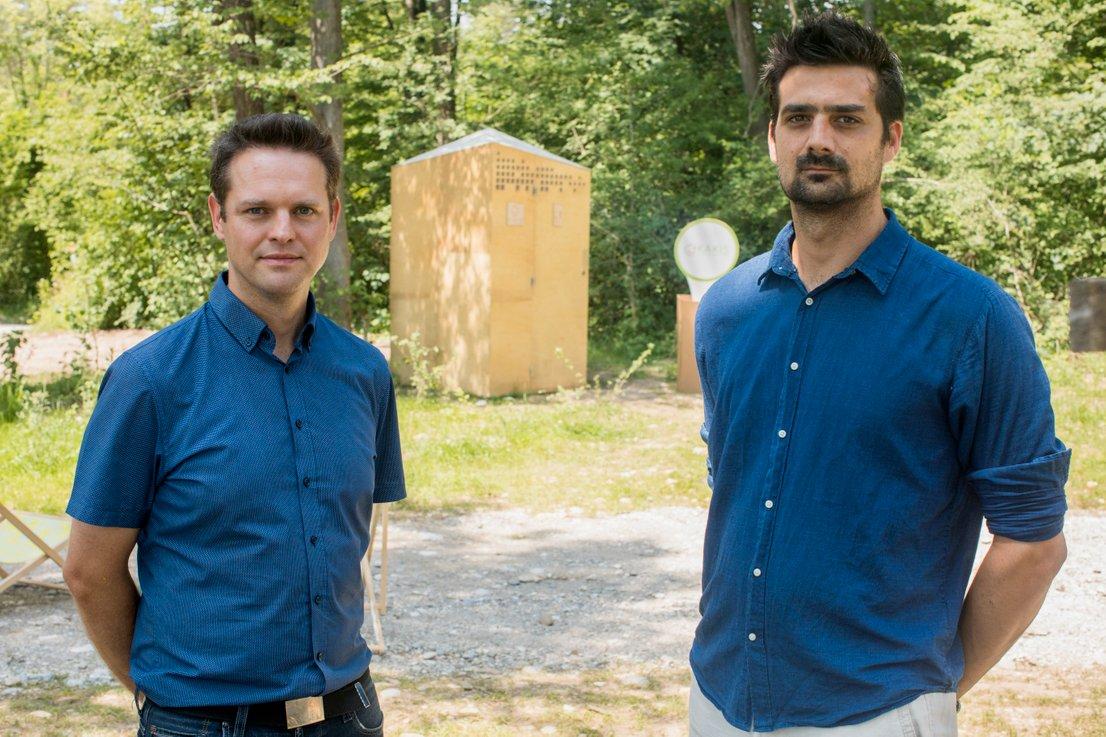 David Kodarin in Miha Krečič, izumitelja Kakisa.