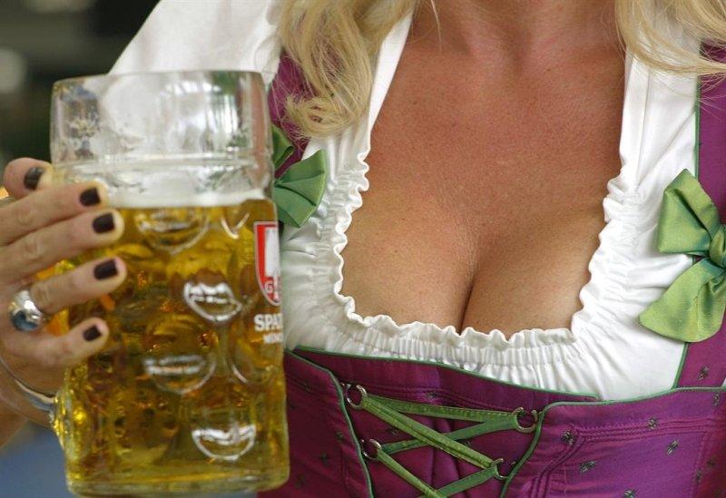 Фото сисек в германии, Голые немки. Секс и порно с немецкими девушками 18 фотография