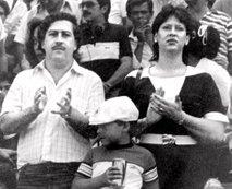 Escobar: imel naj bi okoli 27 milijard evrov, a kje je denar?