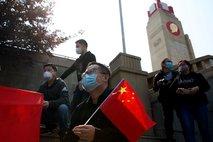 Oglašanje siren, hup avtomobilov, vlakov in ladij: Kitajska se spominja žrtev virusa