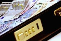 V smeti vrgel 22.000 evrov