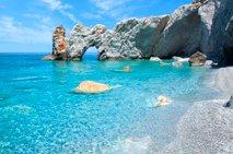 S 1. julijem že v Grčijo?