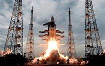 Indijsko vesoljsko plovilo z roverjem uspešno vstopilo v Lunino orbito