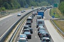 Pri Krtini nesreča ovira promet, pred Karavankami sedemkilometrski zastoj