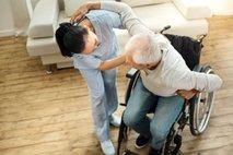Oskrbnine v domovih za starejše: dražje zaradi višje minimalne plače