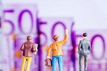 Le tretjina podjetnikov bo lahko delavcem plačala nadomestilo za čakanje za april