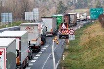 Bi boljša infrastruktura in tretji vozni pas lahko povečala varnost na avtocestah?