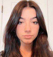 Stara je 16 let, z eno objavo pa zasluži okoli 82.000 evrov