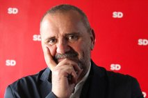 Šarec bo za novega kulturnega ministra predlagal Zorana Pozniča