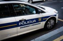 Pijana Hrvatica zapeljala v poln lokal, ena oseba umrla