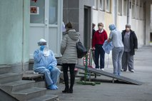 V Italiji potrjenih 821 okužb s koronavirusom, umrle še štiri osebe