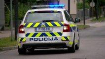 Neznanec od voznikov zahteval gotovino za domnevno poškodbo na avtomobilu