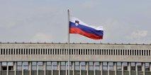 Slovenska zastava na državnem zboru