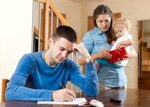 Toliko gospodinjstev ravno shaja s svojimi dohodki