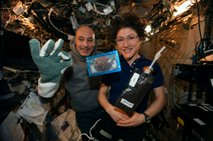 Astronavti so spekli prve piškote v vesolju