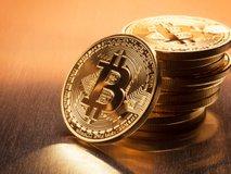 Zakaj je Bitcoin v letu 2020 dobesedno poteptal delnice in zlato?