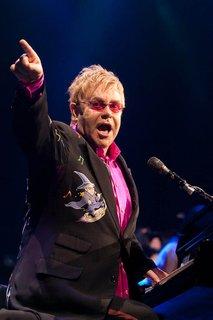 Elton John v Pulju-6
