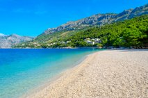 Počitnice na Hrvaškem: ljudje hrepenijo po hrvaškem morju, oblasti svarijo