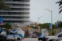 Zaključili iskalno akcijo po zrušenju stavbe na Floridi, umrlo 97 ljudi