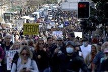 Avstralci imajo dovolj nenehnega zapiranja. Tisoči na ulicah skandirali: 'Svoboda!'
