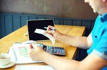 Samozaposleni, danes bodo prva izplačila mesečnega temeljnega dohodka