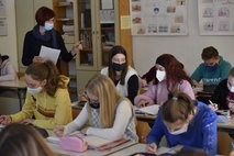 Testiranje dijakov bo potekalo v šolah, učitelji ob tem opozarjajo na stigmo otrok