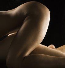 gola ženska
