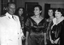 V Srbiji se danes držijo za glave: plačali so skoraj 70 milijonov za Titove kredite