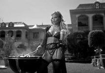 Bogataški napuh ali bahanje večne 30-letnice J.Lo?