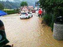 Po vremenski ujmi: 'Če bi bil potok ob Prevaljah saniran, ujma ne bi bila tako uničujoča'