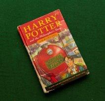 Redka prva izdaja Harryja Potterja prodana za 36 tisoč evrov