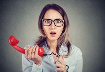 Redno zaposleno samohranilko o odpovedi obvestili kar po telefonu