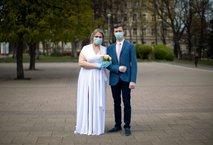 Toliko slovenskih parov je odpovedalo poroke zaradi koronavirusa