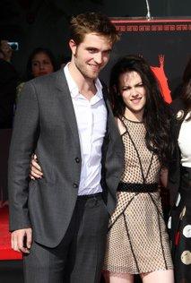 Robert Pattinson in Kristen Stewart