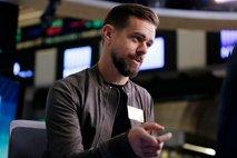 Twitter milijarder v enem mesecu podaril ogromno denarja